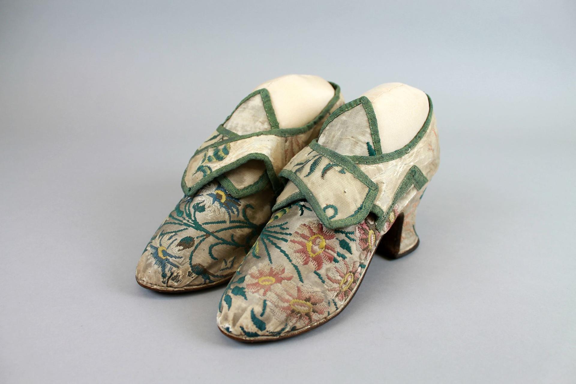 1730 Georgian shoes